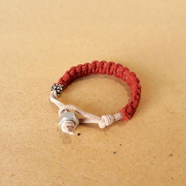 سایت-جامع-یوگا-ایران-محصولات-دستبند-دست-ساز-قرمز
