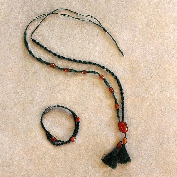 سایت-جامع-یوگا-ایران-محصولات-گردنبند-دستبند-عقیق-قرمز